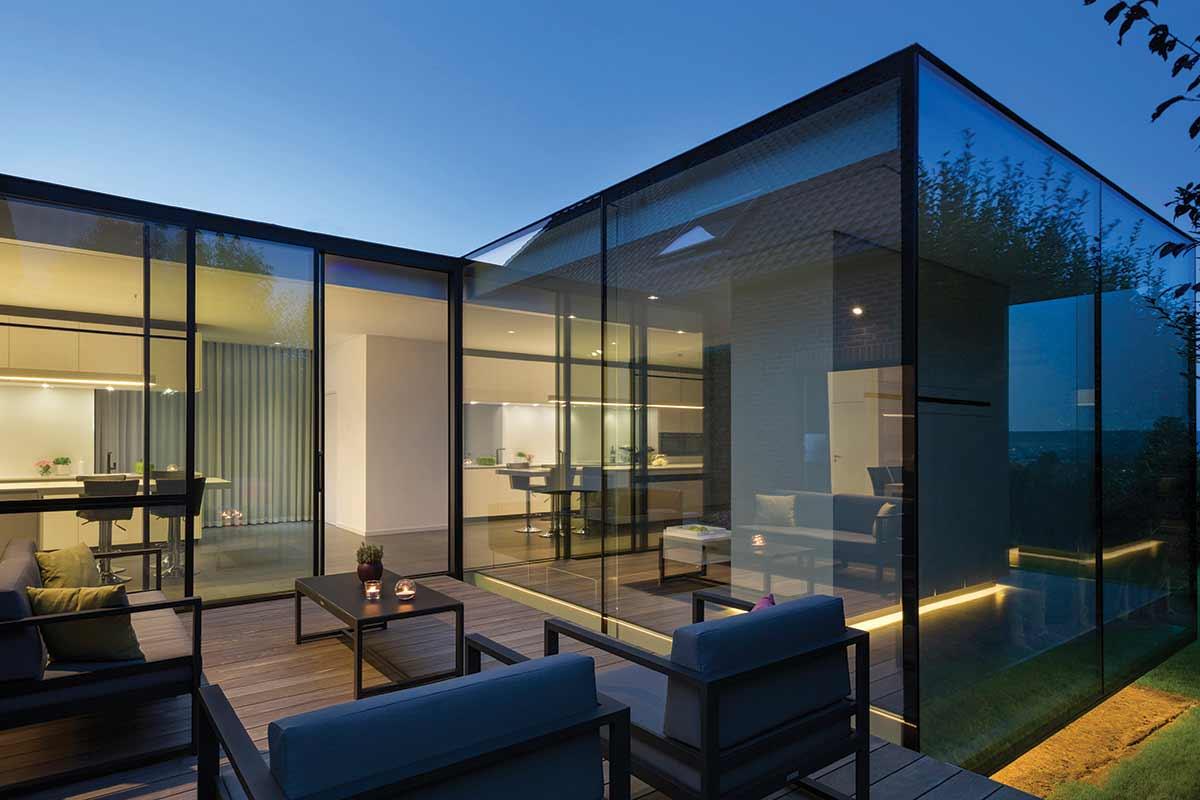 Hi-Finity aluminium sliding doors