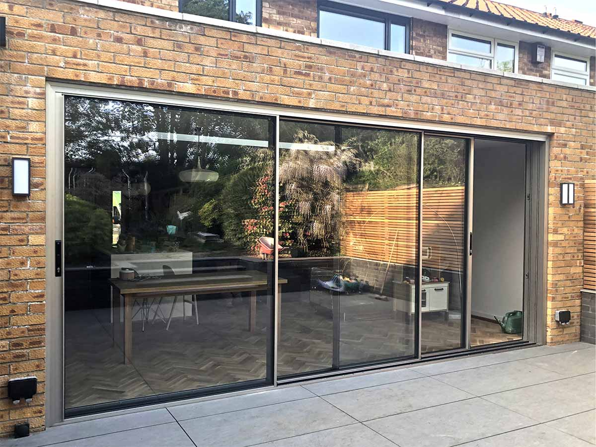 HiVision 25 Slim Sliding Doors