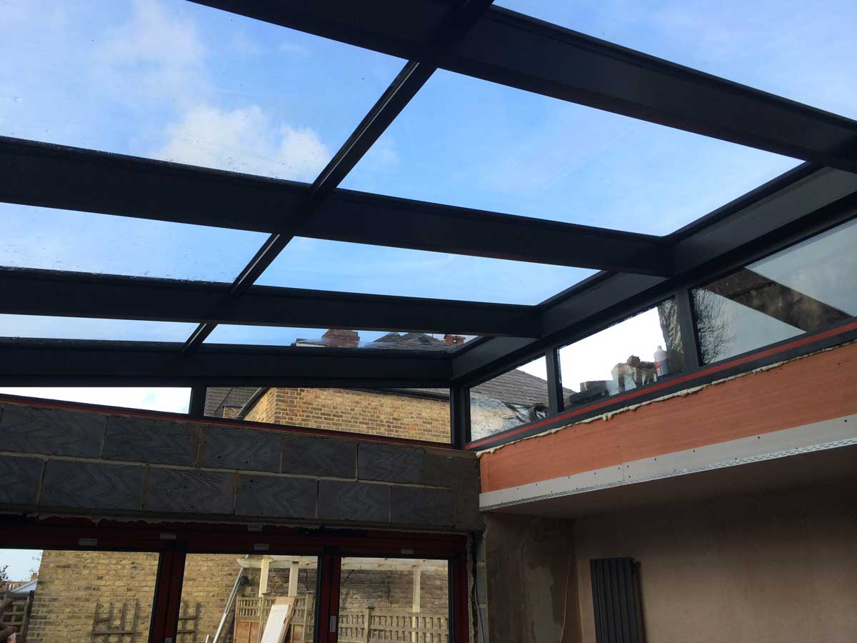 Lean-to glass roof